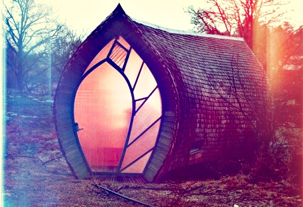 270-sq-ft-ottesjo-tiny-house-01-600x409