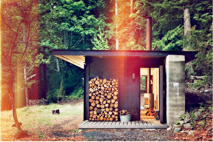 700_olson-kundig-cabin-exterior-light