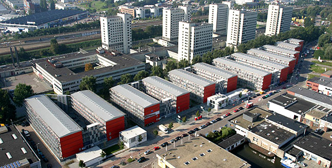 Keetwonen container city amsterdam for Low cost apartments amsterdam